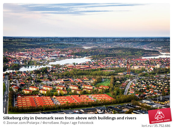 Silkeborg city in Denmark seen from above with buildings and rivers. Стоковое фото, фотограф Zoonar.com/Polarpx / age Fotostock / Фотобанк Лори