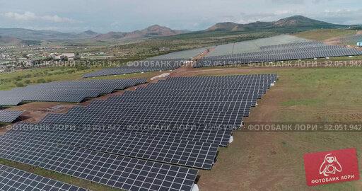 Solar panel energy electricity construction installation built. Стоковое видео, видеограф Mark Agnor / Фотобанк Лори