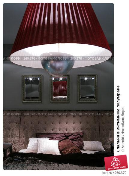 Спальня в интимном полумраке, фото № 260370, снято 8 апреля 2008 г. (c) Astroid / Фотобанк Лори