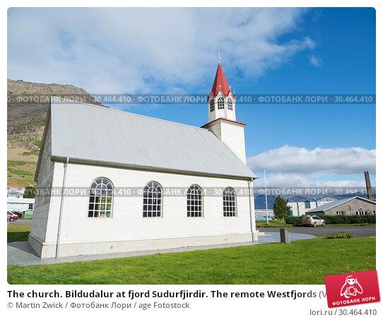 The church. Bildudalur at fjord Sudurfjirdir. The remote Westfjords (Vestfirdir) in north west Iceland. Europe, Scandinavia, Iceland. Стоковое фото, фотограф Martin Zwick / age Fotostock / Фотобанк Лори