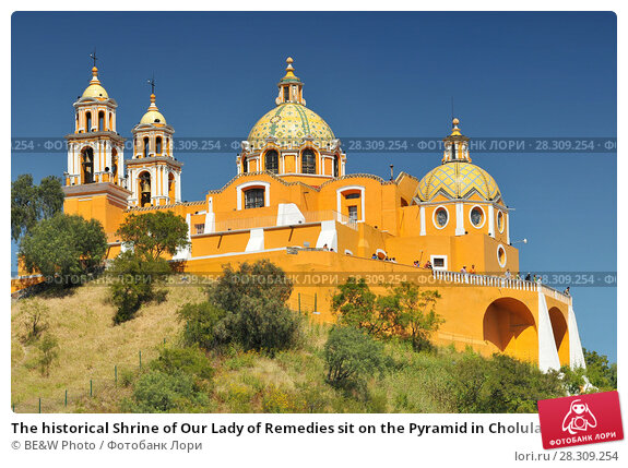 Купить «The historical Shrine of Our Lady of Remedies sit on the Pyramid in Cholula, Mexico», фото № 28309254, снято 16 декабря 2018 г. (c) BE&W Photo / Фотобанк Лори