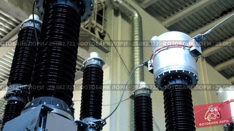Купить «The tour of the factory. Equipment with pipes. Production. Raised floor.», видеоролик № 29082722, снято 23 сентября 2018 г. (c) Константин Шишкин / Фотобанк Лори