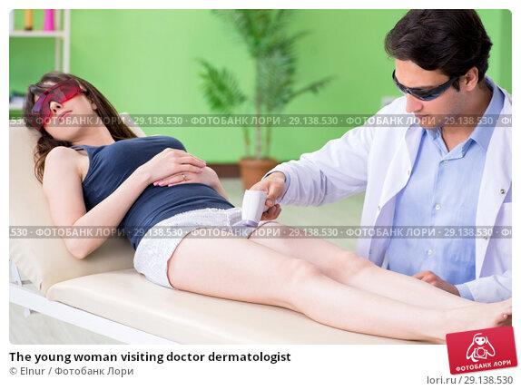 Купить «The young woman visiting doctor dermatologist», фото № 29138530, снято 6 июня 2018 г. (c) Elnur / Фотобанк Лори
