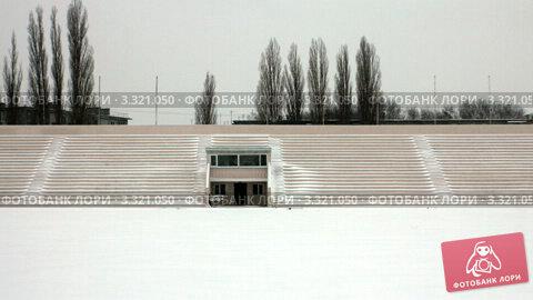 Трибуны. Стадион, таймлапс в движении. Стоковое видео, видеограф Андрей Крамар / Фотобанк Лори