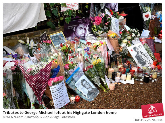Купить «Tributes to George Michael left at his Highgate London home Featuring: Atmosphere, George Michael Where: London, United Kingdom When: 27 Dec 2016 Credit: WENN.com», фото № 28700134, снято 27 декабря 2016 г. (c) age Fotostock / Фотобанк Лори