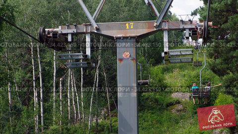 Video of elevator on mount Tserkovka near Altai resort Belokurikha. Стоковое видео, видеограф Serg Zastavkin / Фотобанк Лори