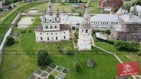 Купить «View of Michael-Archangel Monastery in old Russian town of Yuryev-Polsky, Vladimir Oblast», видеоролик № 29404170, снято 27 июня 2018 г. (c) Яков Филимонов / Фотобанк Лори