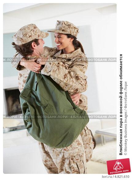 Фото блондинки в военной форме — img 2