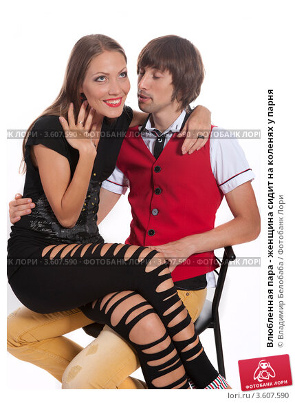 Голые девушки на коленях дрочат пенисы руками - Инцест