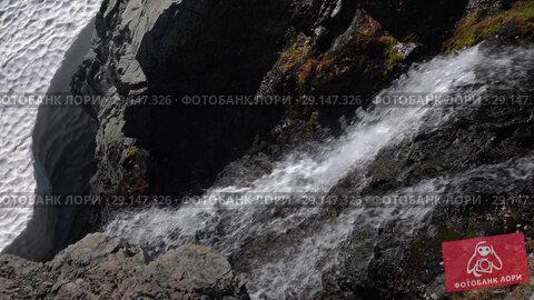 Купить «Водопадик в горах», видеоролик № 29147326, снято 28 сентября 2018 г. (c) А. А. Пирагис / Фотобанк Лори