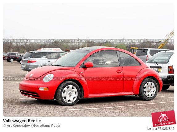 Купить «Volkswagen Beetle», фото № 7028842, снято 19 апреля 2012 г. (c) Art Konovalov / Фотобанк Лори