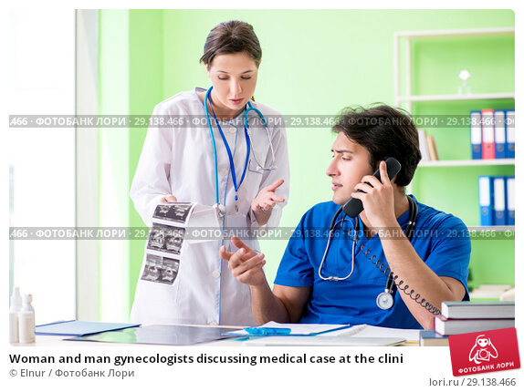 Купить «Woman and man gynecologists discussing medical case at the clini», фото № 29138466, снято 5 июня 2018 г. (c) Elnur / Фотобанк Лори