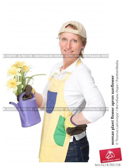 И хозяйка садовник молодая