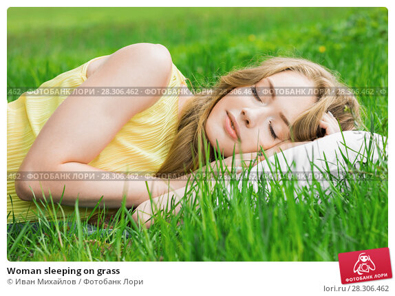 Купить «Woman sleeping on grass», фото № 28306462, снято 24 мая 2017 г. (c) Иван Михайлов / Фотобанк Лори
