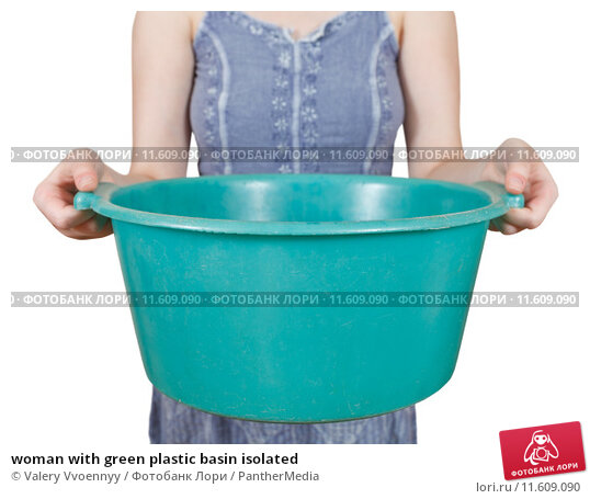 Купить «woman with green plastic basin isolated», фото № 11609090, снято 21 февраля 2019 г. (c) PantherMedia / Фотобанк Лори