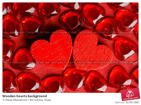 Wooden hearts background. Стоковое фото, фотограф Иван Михайлов / Фотобанк Лори