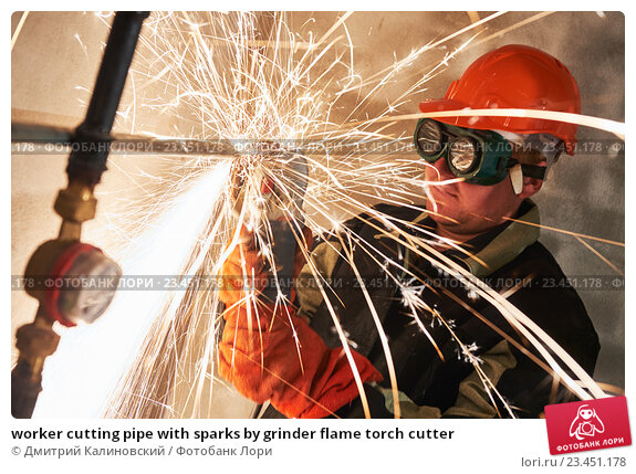 Купить «worker cutting pipe with sparks by grinder flame torch cutter», фото № 23451178, снято 23 августа 2016 г. (c) Дмитрий Калиновский / Фотобанк Лори